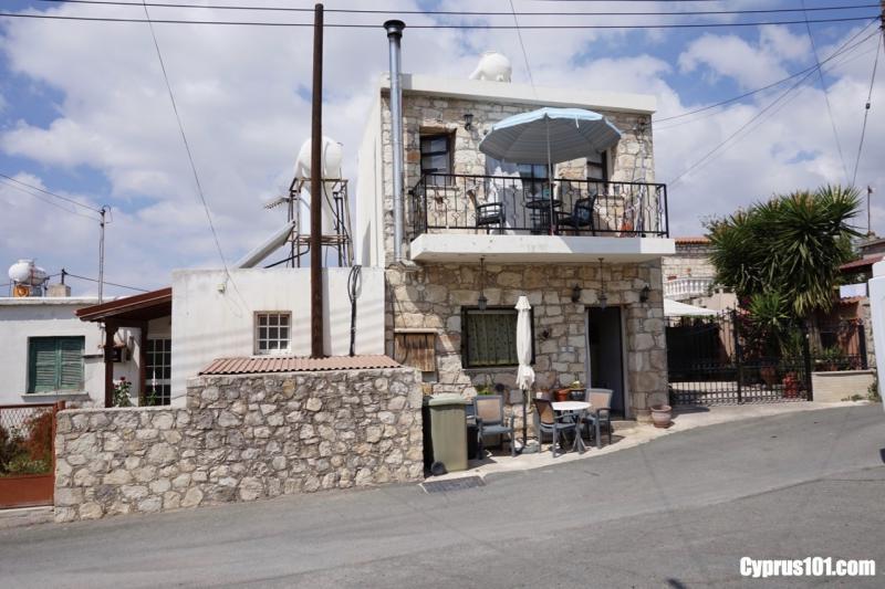 -1-agios-demetrianos-stone-house.jpg