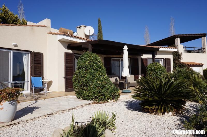 -1-kamares-paphos-cyprus-property-bungalow-sale.jpg