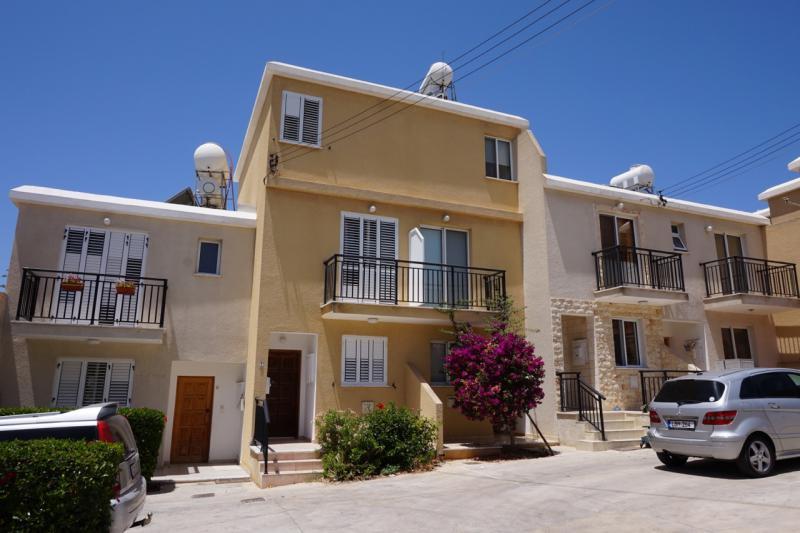 -1-mesa-chorio-paphos-cyprus.jpg