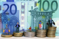 Thumbnail image for Euro tipped to fall further in coming months by Economic researchers