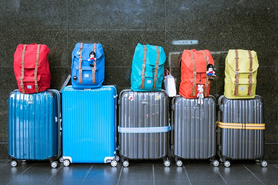 luggage-travel-destination