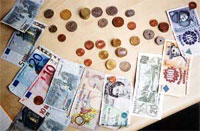 Expats not saving enough money survey suggests